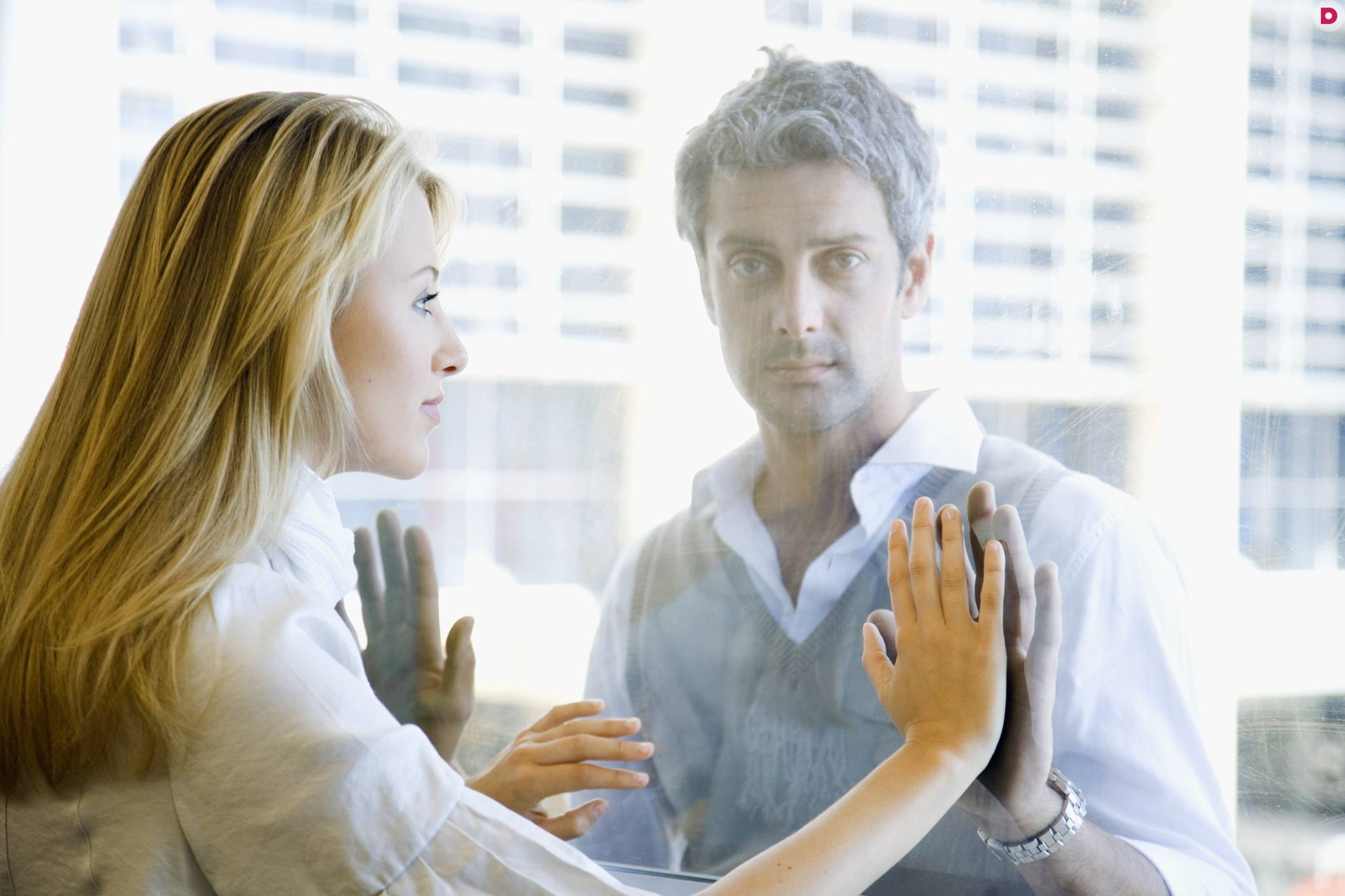 Как мужчины переживают разрыв отношений?