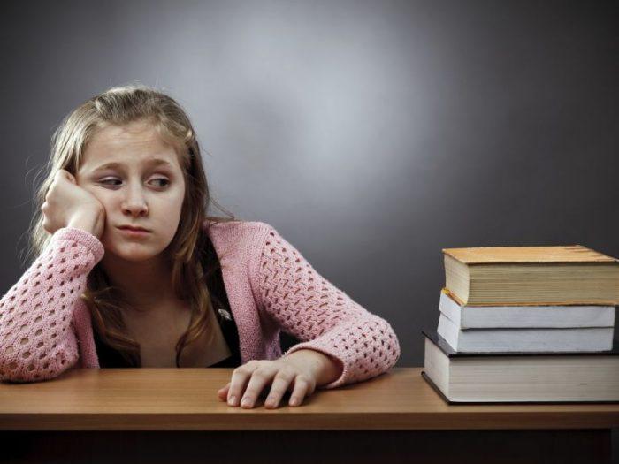 Подросток, ему 14 лет, не хочет учиться и ходить в школу - советы психологов, консультации