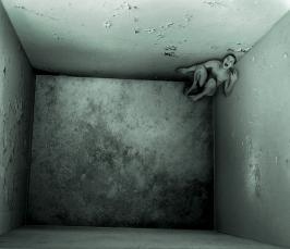 Клаустрофобия: причины, симптомы, методы лечения