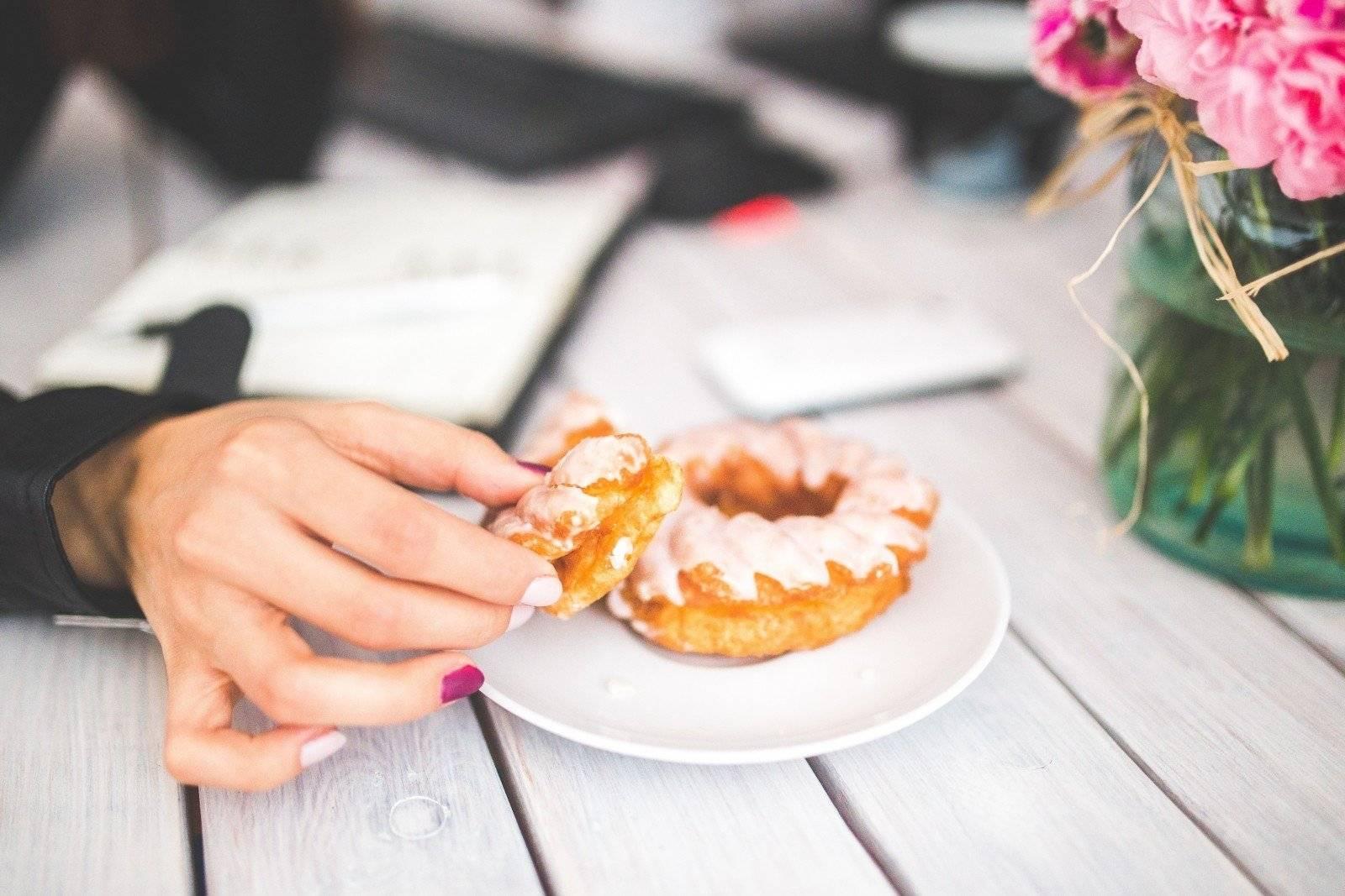 Психологический голод: почему мы едим, когда не голодны