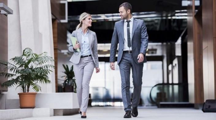 Совместимость женщин-Весов с коллегами по работе