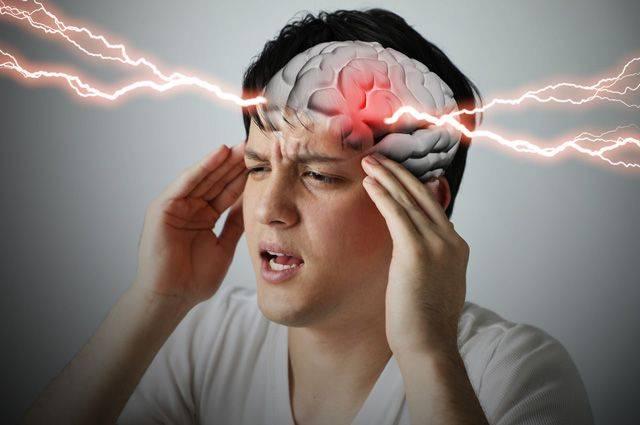 8 признаков и 3 простых действия, чтобы распознать инсульт у себя и близких