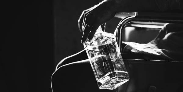 Деградация личности: симптомы, признаки. как проявляется деградация личности при алкоголизме?