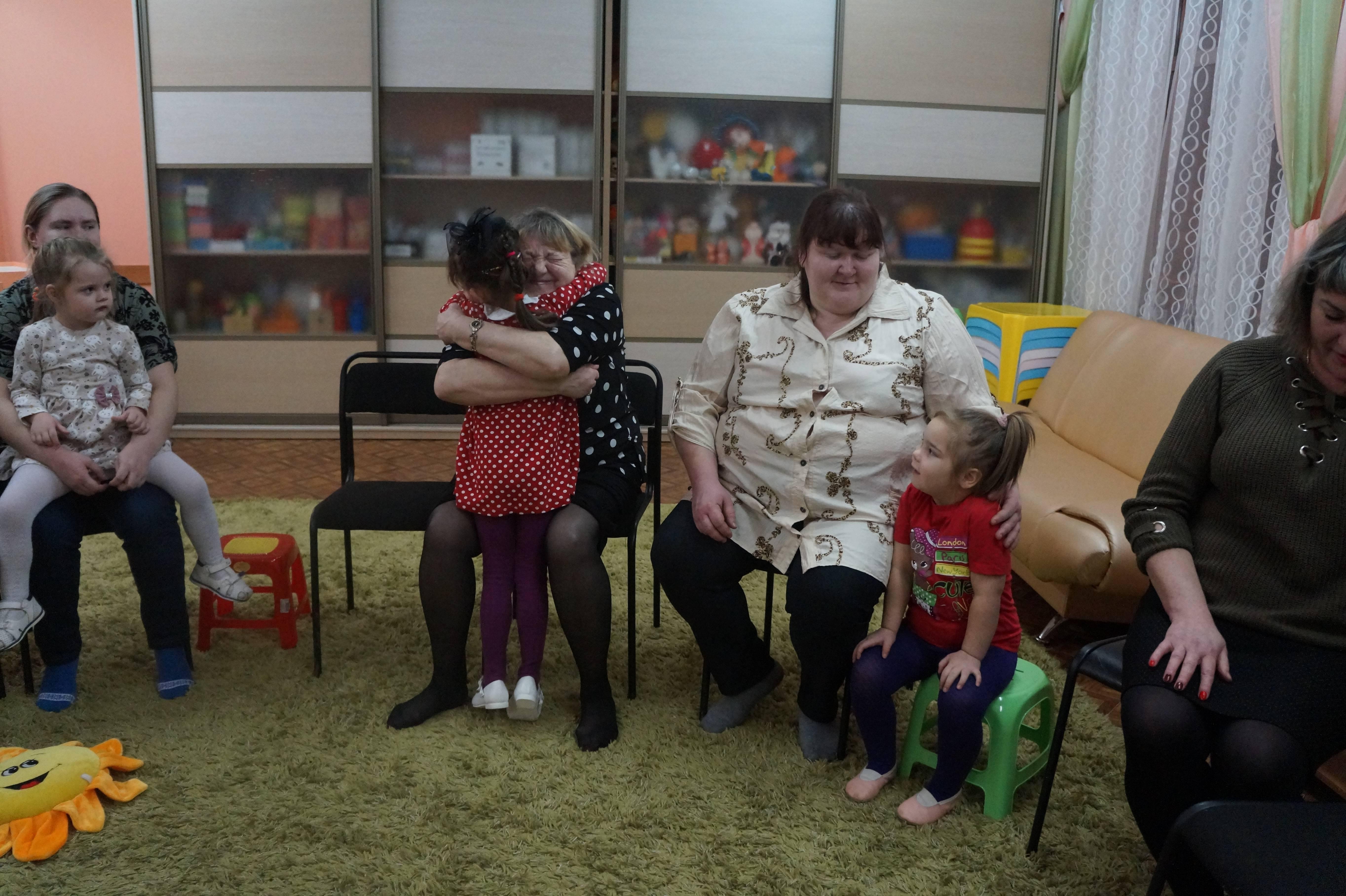 Психологические стадии принятия ребенка в семью . усыновление: психология