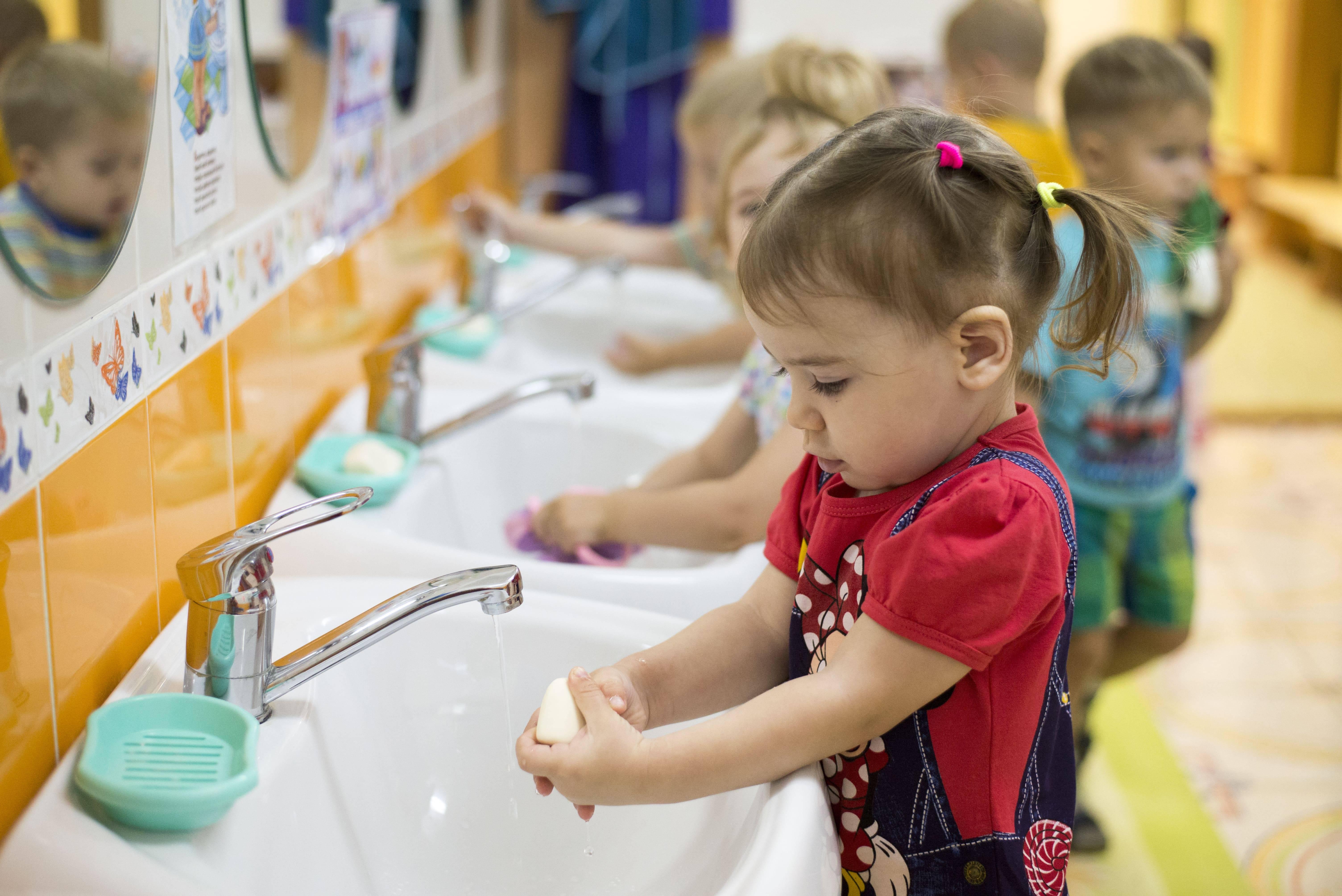 10 ошибок, которые мешают ребенку стать самостоятельным.  развитие самостоятельности у ребенка