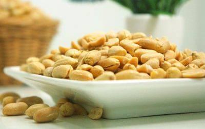 Какие орехи полезны для мужчин