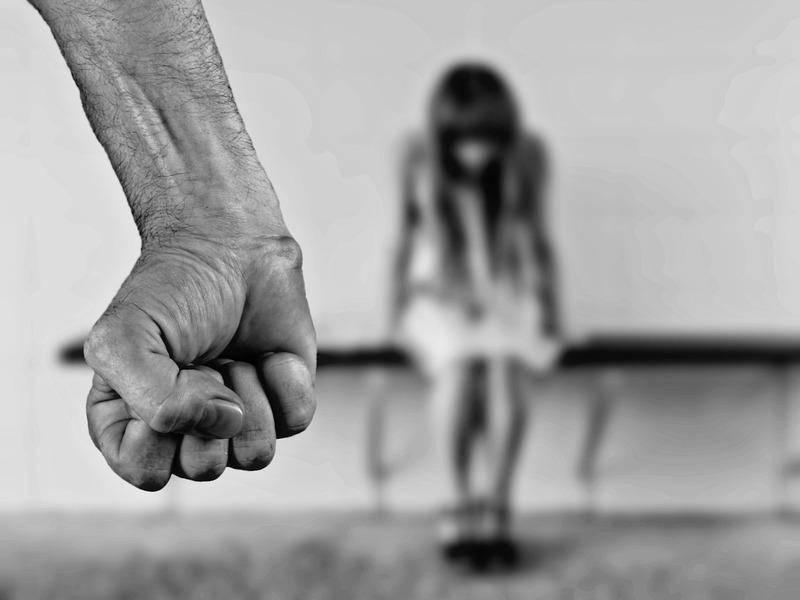 Стокгольмский синдром - что это в психологии?