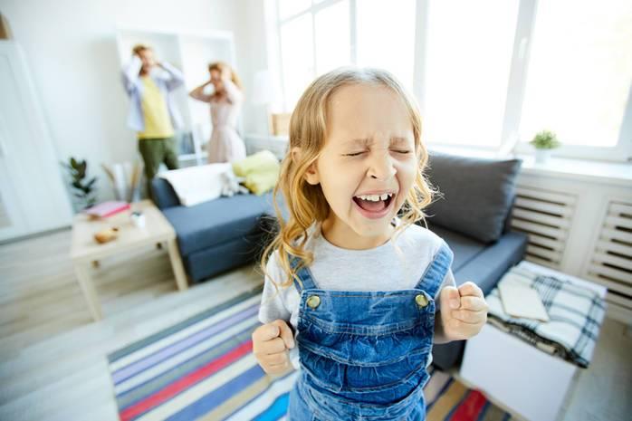 Ребенок требует игрушку. как бороться с детским «хочу» и «купи»