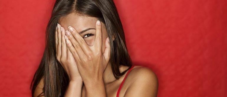 Как интроверту преодолеть стеснительность и развить уверенность в себе?