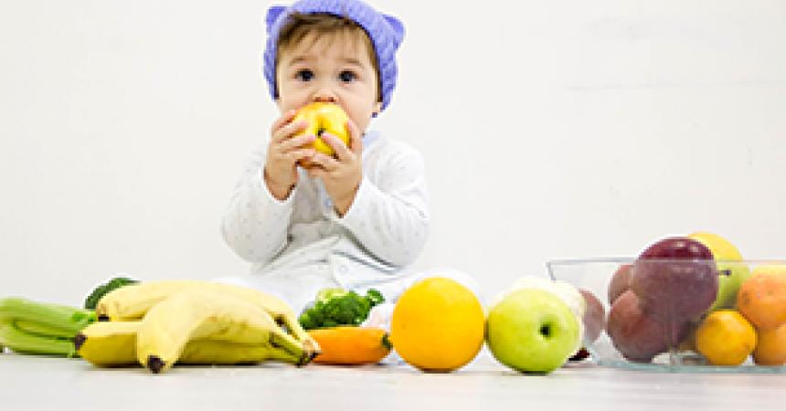 Как не приучить ребенка к рукам? секреты самостоятельности от рождения до 3 лет. что такое привязанность и гиперопека