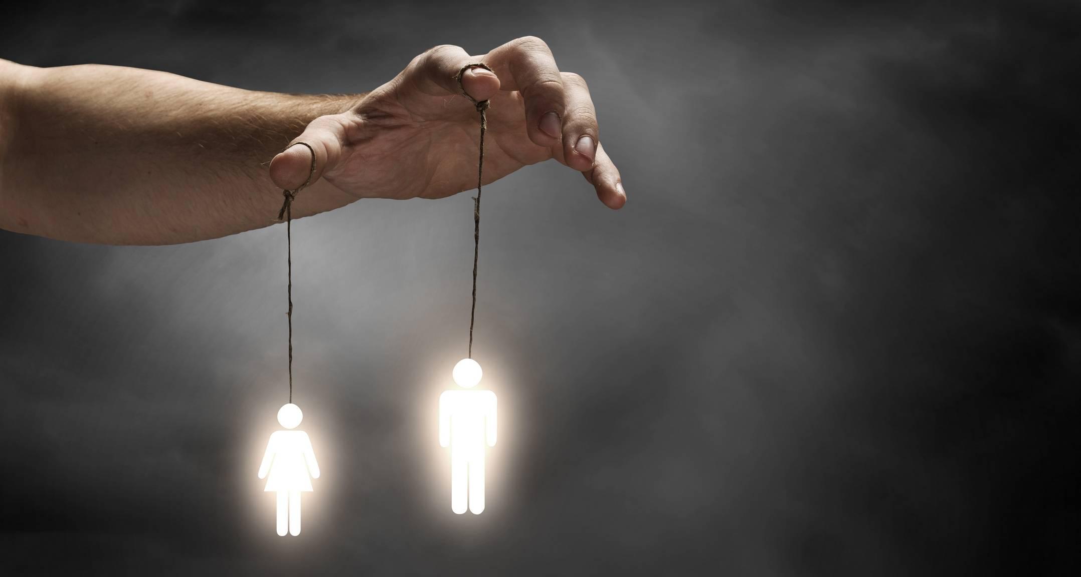 Темная психология: 30 приемов манипуляторов