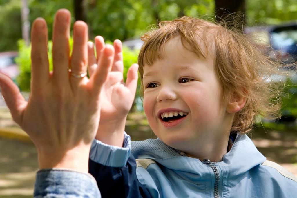 Как правильно хвалить и критиковать ребёнка