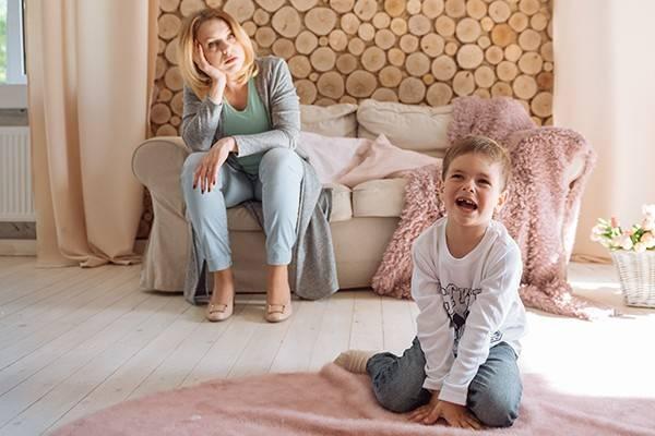 Как реагировать на истерики ребенка: опыт мамы 4 детей. причины истерик у детей