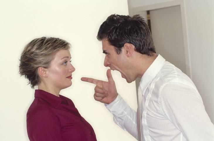 Почему люди терпят, когда им грубят?