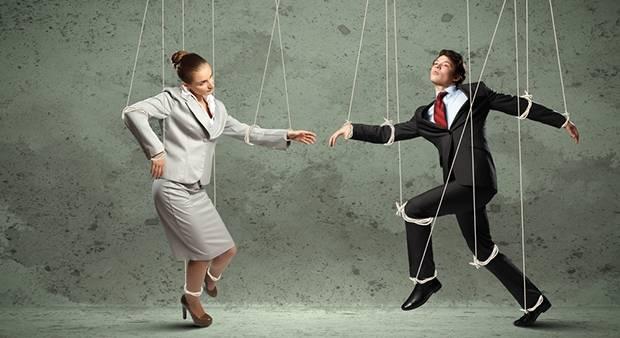 """Как манипулировать женщиной с помощью слов и """"кнута"""", психология"""