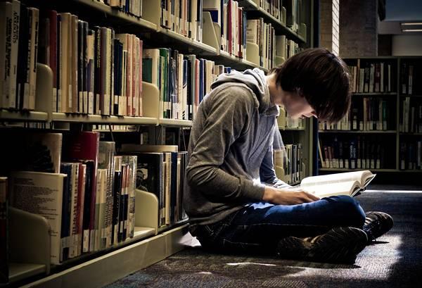 Библиотерапия: как книги помогают понять себя и наладить жизнь