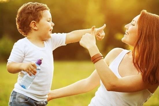 Как правильно хвалить детей: советы психолога