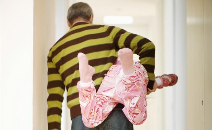 Можно ли бить детей по попе?