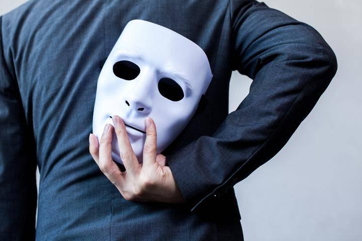 Как завоевать доверие людей: советы психологов, как
