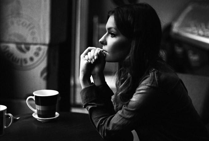 Истероидный тип личности женщины: симптомы истерической психопатии. как повлиять на девушку с истероидным психотипом?