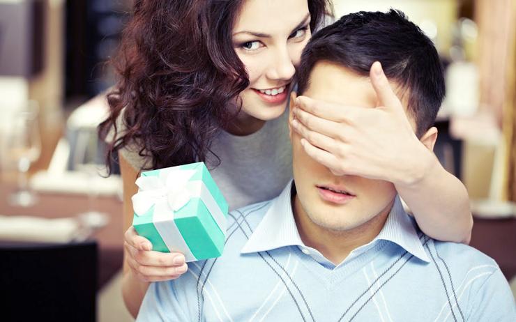 Знаки внимания мужчины к женщине, которые недвусмысленно показывают его отношение к даме